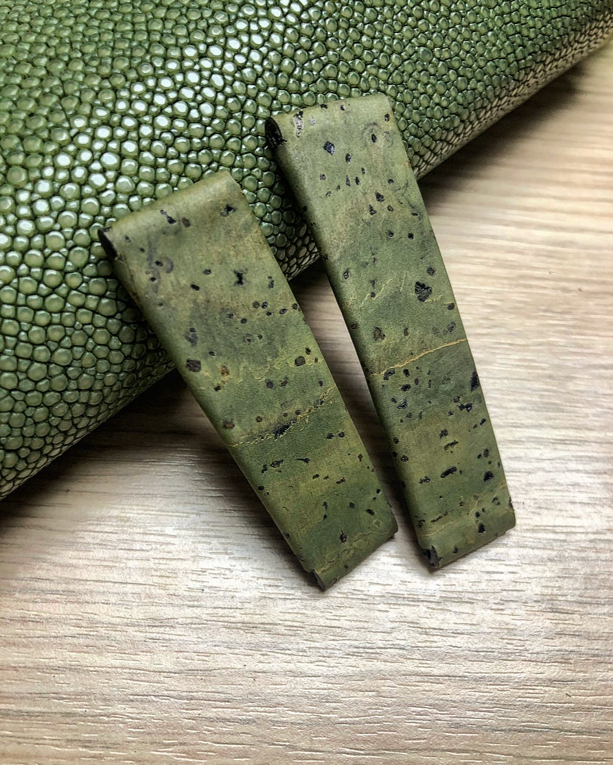 "Image of Military green Cork 2 Piece ""Spezzone"" Strap for Deployante"