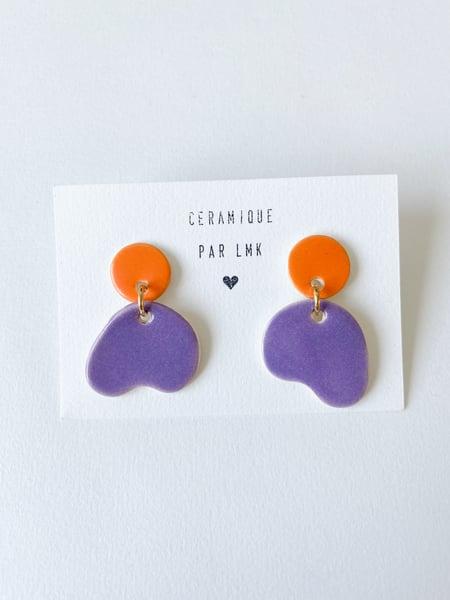 Image of Paire de boucles d'oreilles céramique ONDA mandarine mat et violet