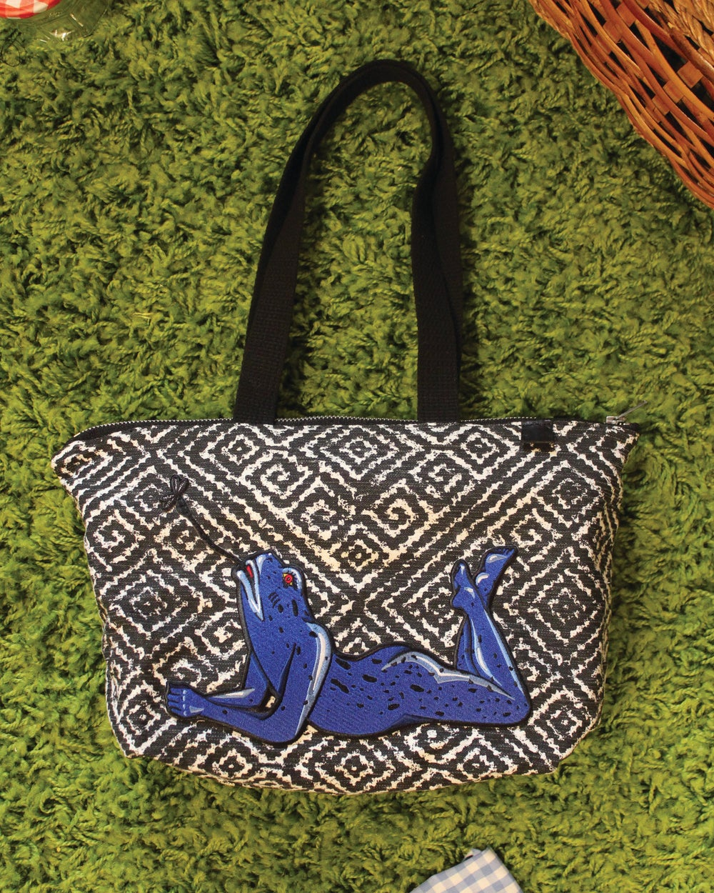 Image of SEXY FROG Tribal Zippered Short Tote