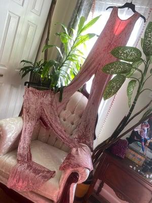 Image of Come Thru Crushed Pink Velvet Ruffled Leggings
