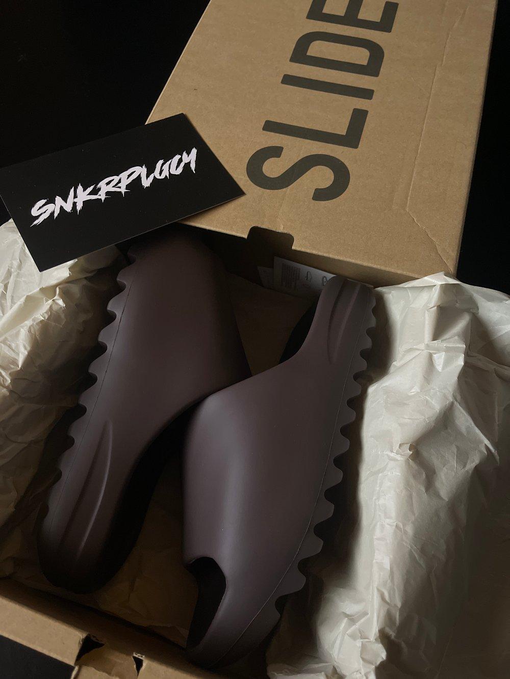 Yeezy Slide / SOOT
