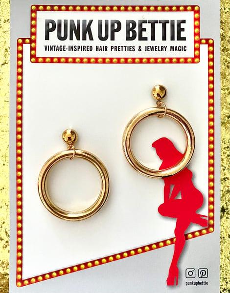 Image of Vintage Pinup Girl Hoop Earrings - Gold