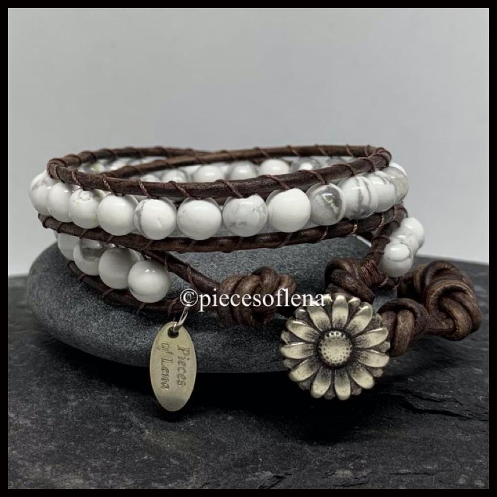 Image of DOUBLE WRAP BRACELET - Howlite Floral