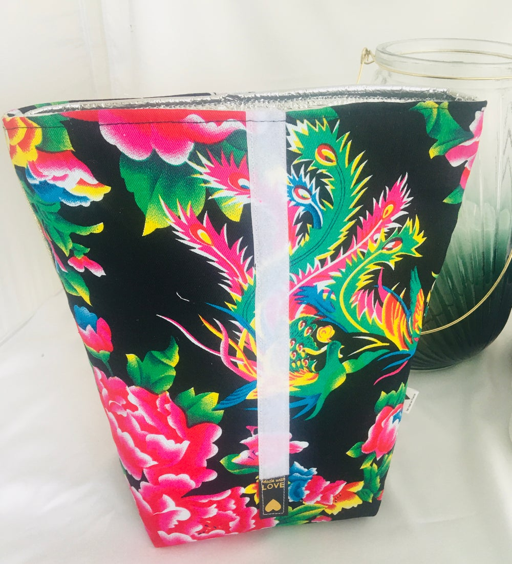 Image of Lunch box  isotherme flowers noir