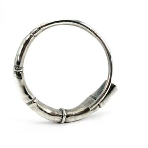 Image of Silver Tendril Bangle Bracelet 01