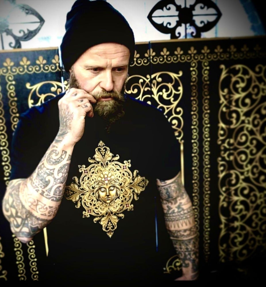 Image of Old English Gold - Men's T-Shirt