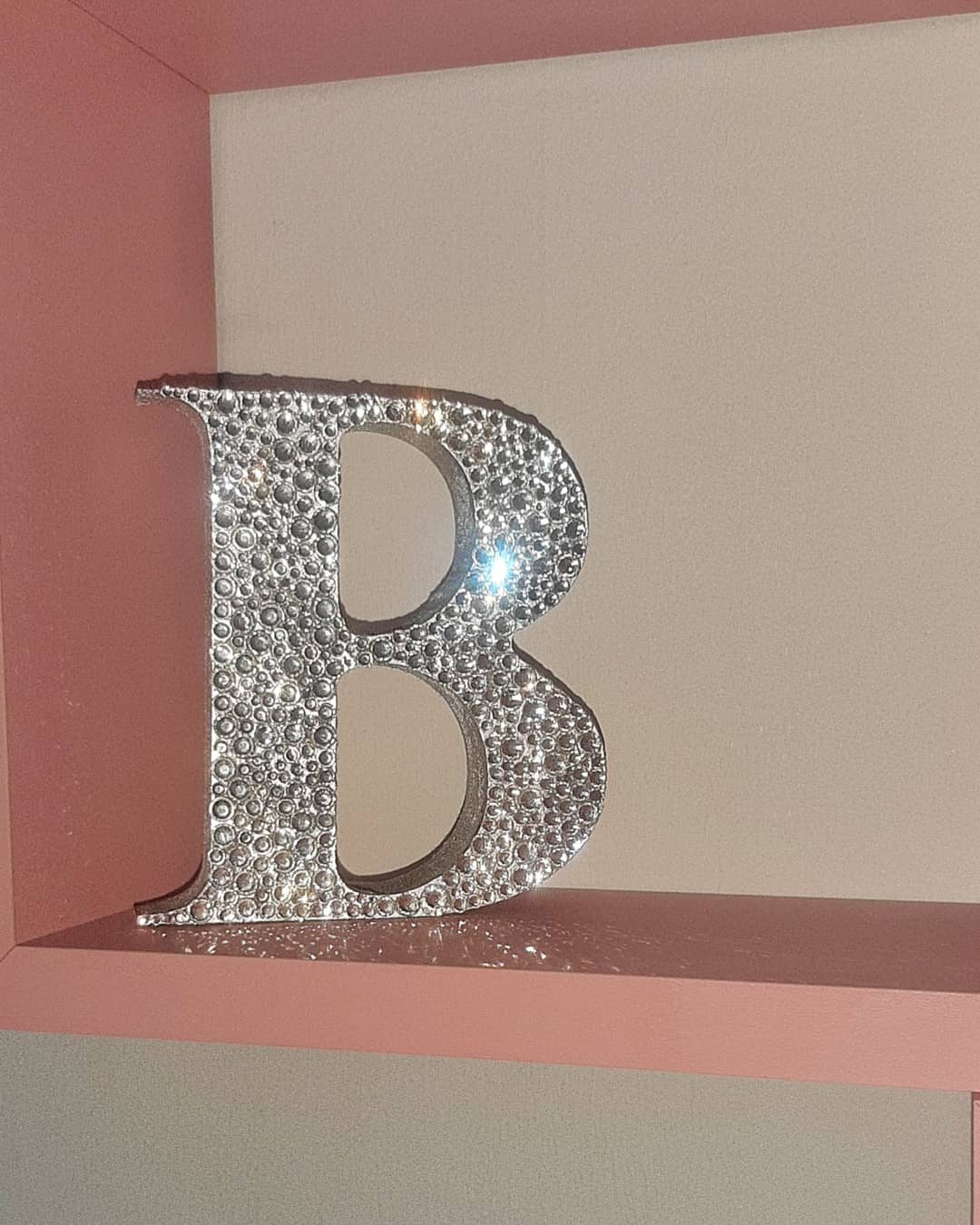 Free standing initial