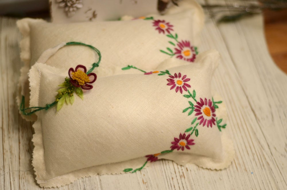Image of Adelina pillow set