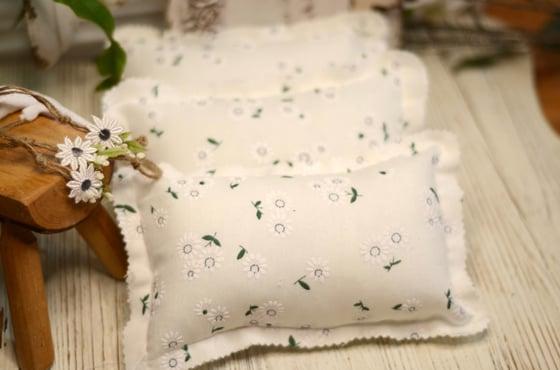 Image of Daisy pillow set