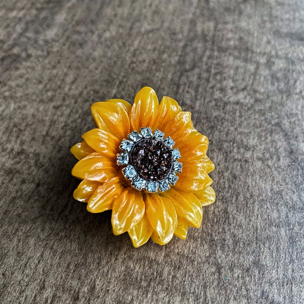 JEWELED FLOWER | LUXURY PIN