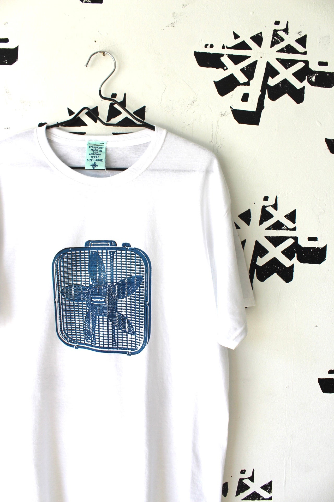 Image of cooling tee in white