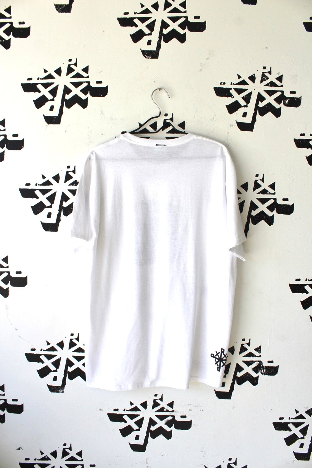 cooling tee in white