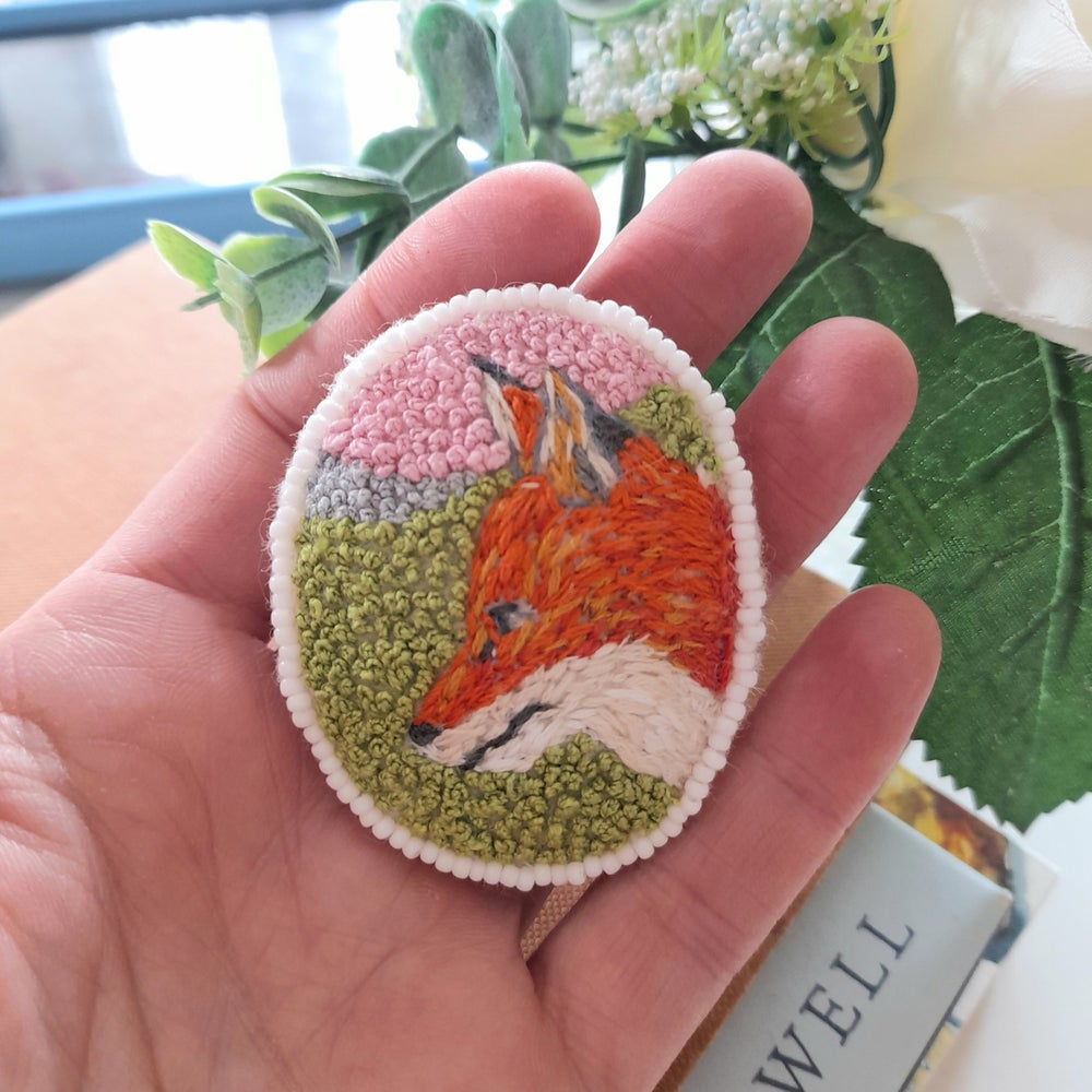 Image of Fox In The Meadow Beaded Embroidered Brooch