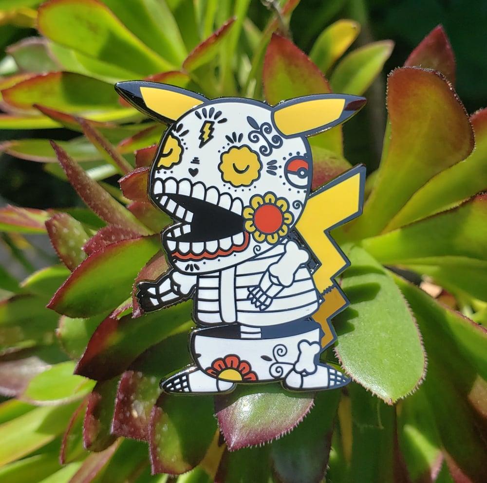Pikachu Calavera Enamel Pin