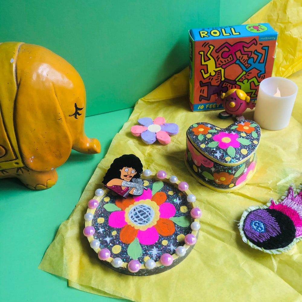 Image of Boogie Wonderland Small Resin Vanity Set
