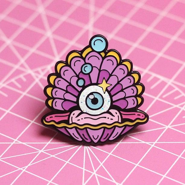 Image of Eyeball clam enamel pin - shell pin - creepy cute - pastel goth - lapel pin badge