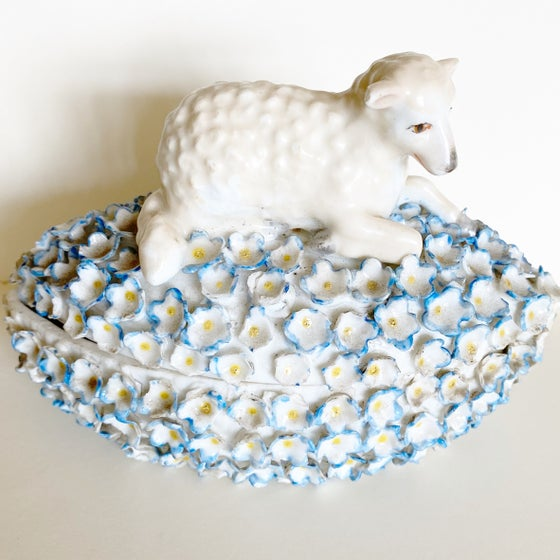 Image of Porcelain lamb box