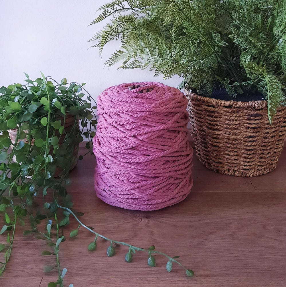 Image of 1kg Dusty Rose 3ply Rope