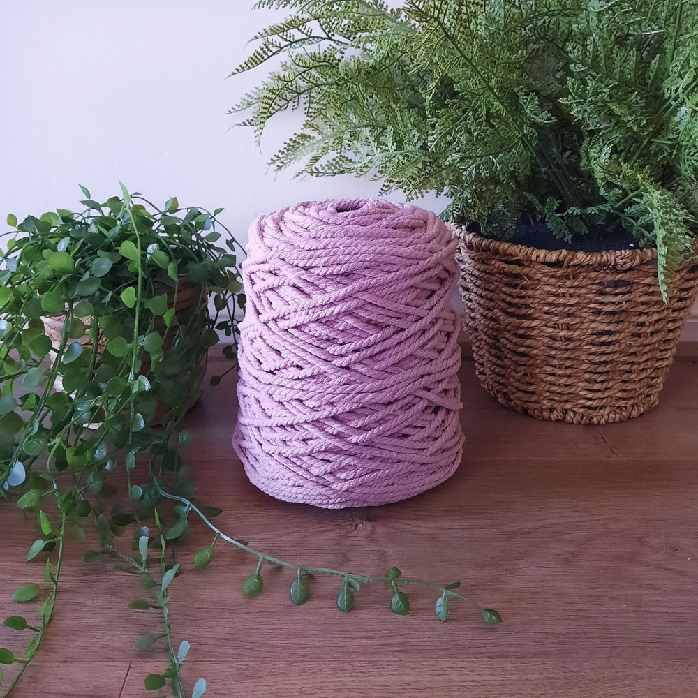 Image of 1kg Vintage Rose 3ply Rope