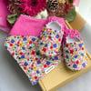 Booties n Bib Gift Box - Dianthus