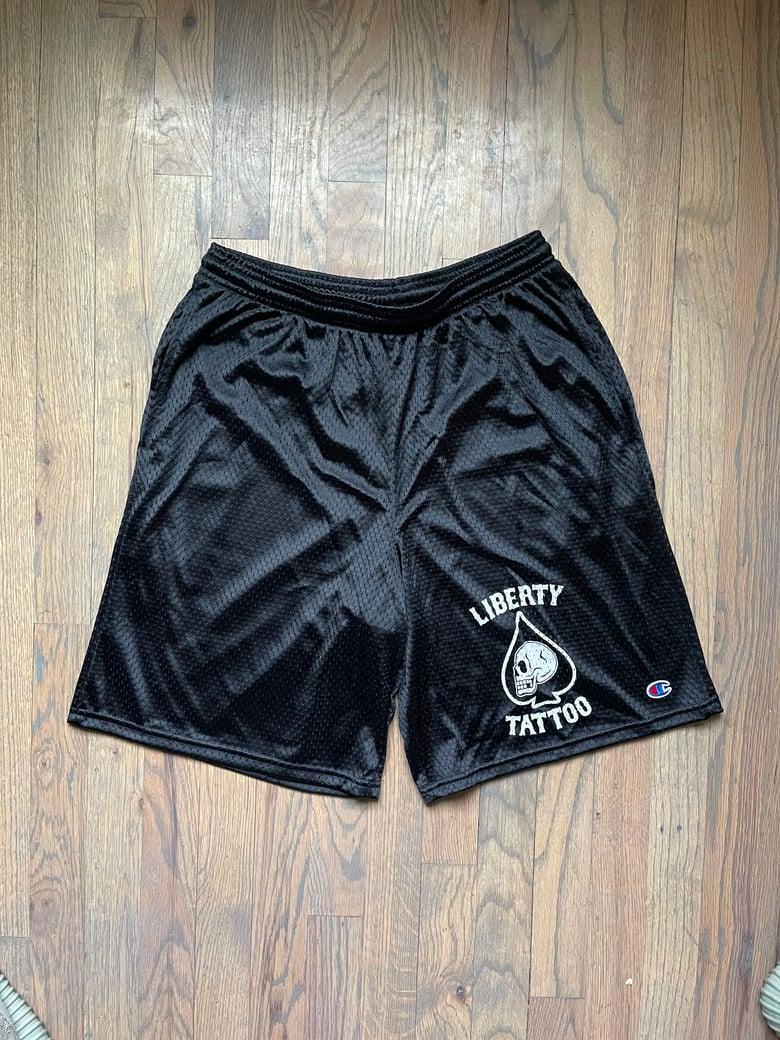 "Image of 9"" Mesh Champion shorts w pockets"