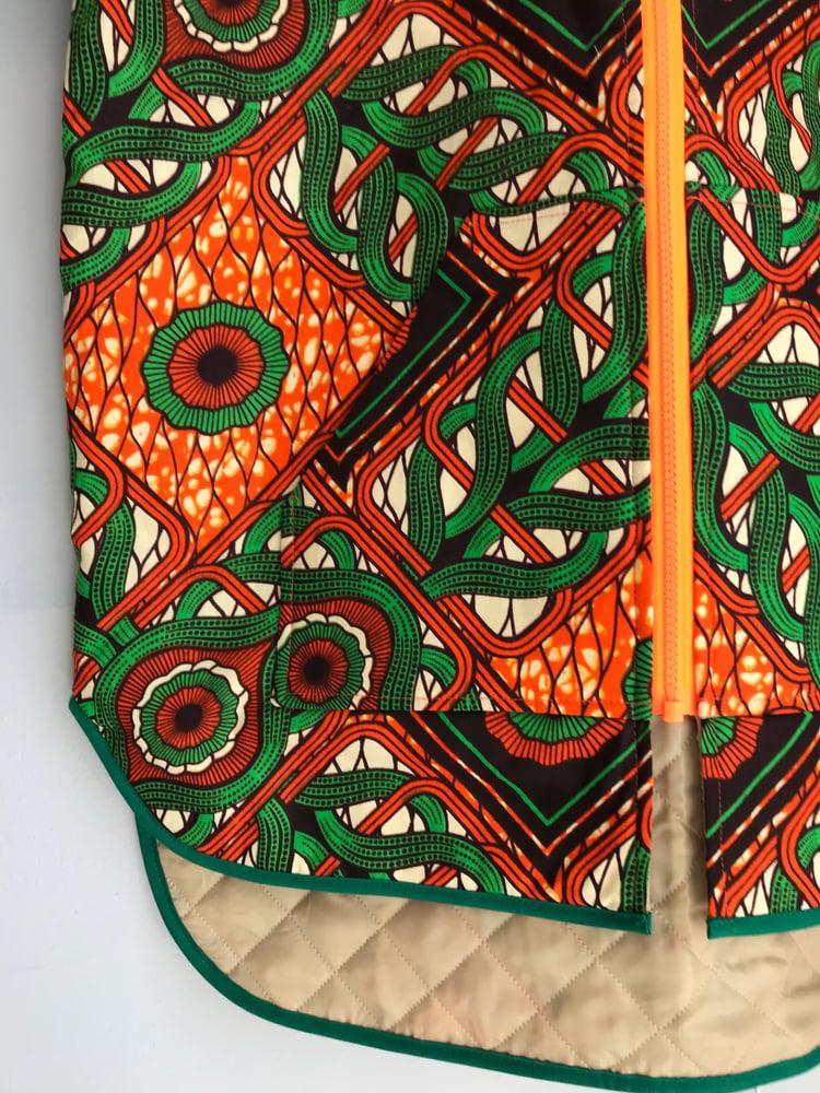 Image of Unisex termojakke i orange og grøn print (xs,s)
