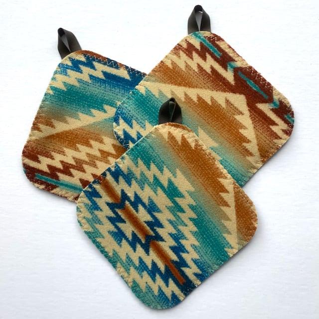 Image of Western Wool Potholder - Zigzag