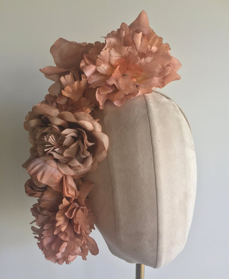 Image of Nude floral headpiece