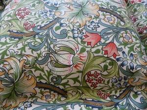 Image of Beautiful William Morris Golden Lily Single Eiderdown