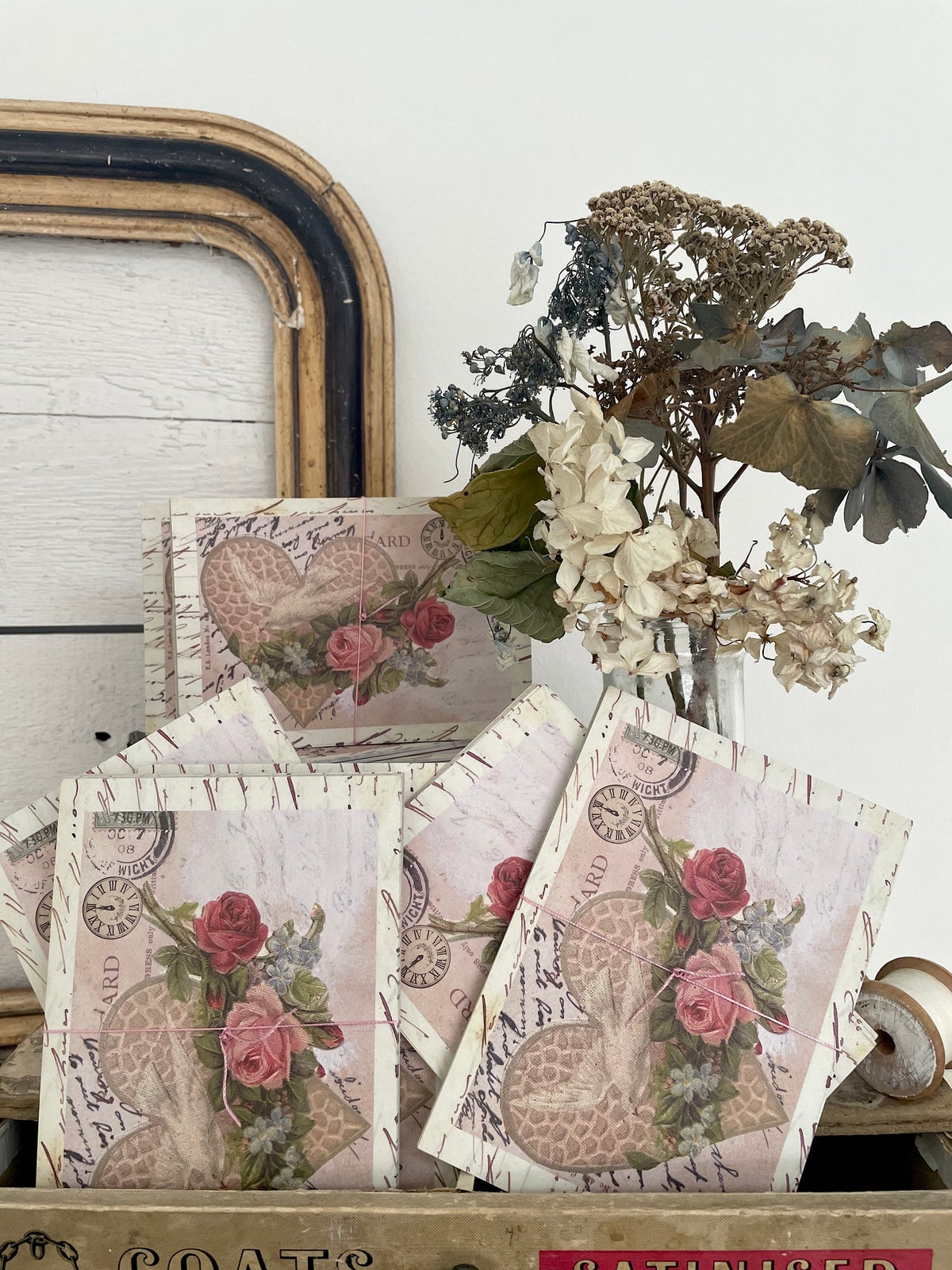 Image of 'Pink dove' bundle of eight post cards