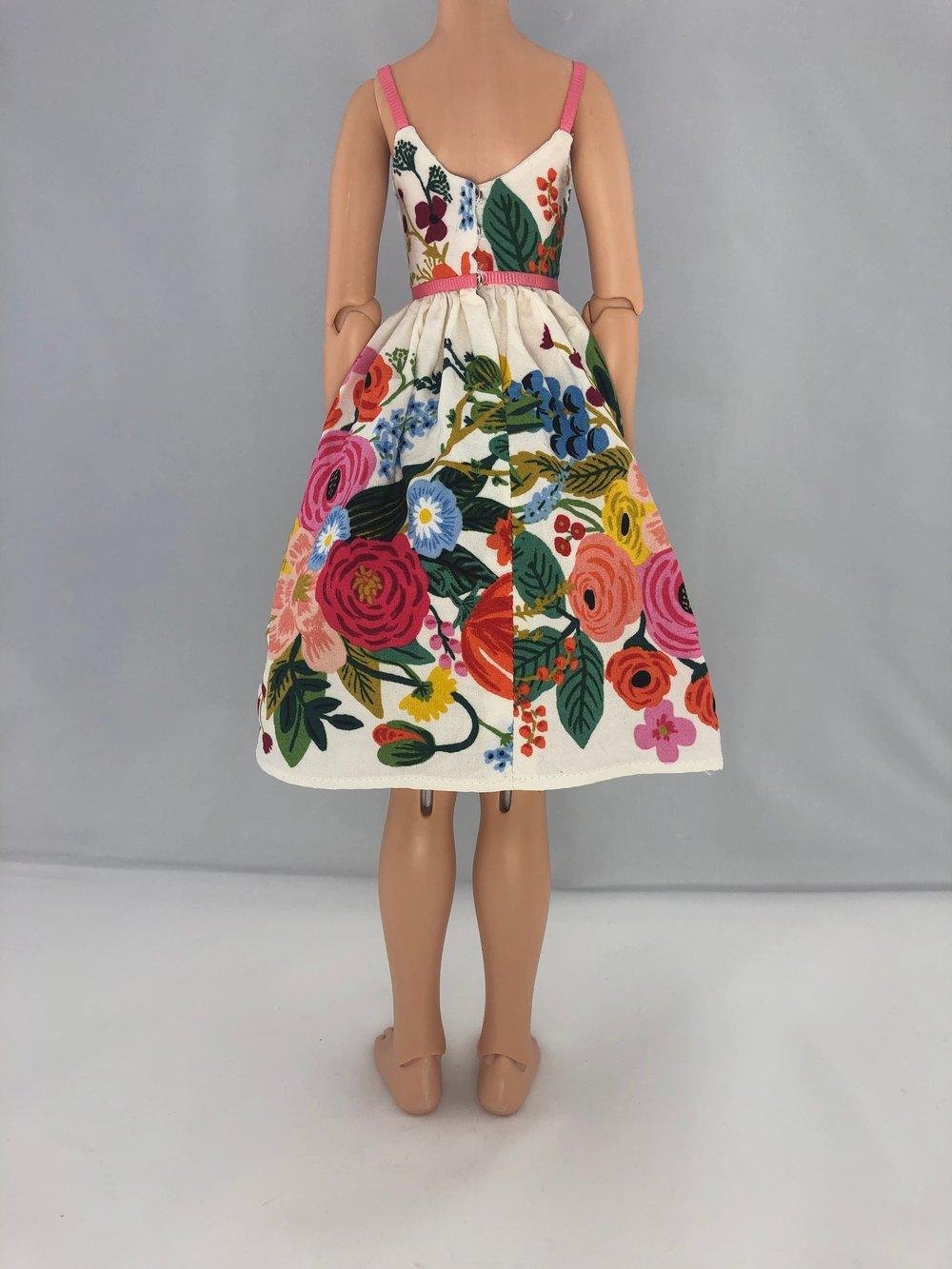 Belted Vintage Floral Dress: Unoa
