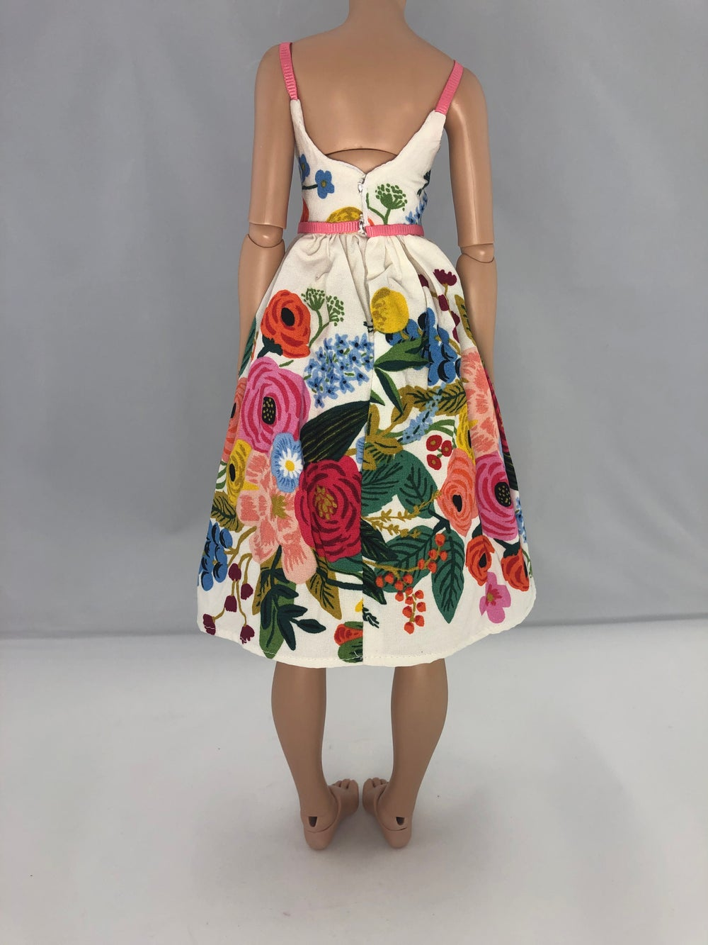 Belted Vintage Floral Dress: Minifee