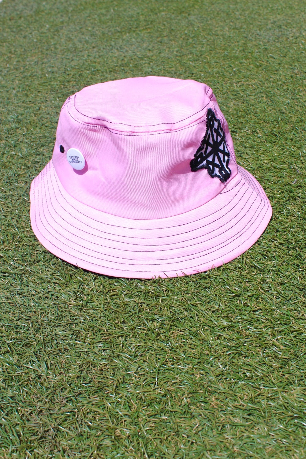 the organize everywhere bucket hat in pink