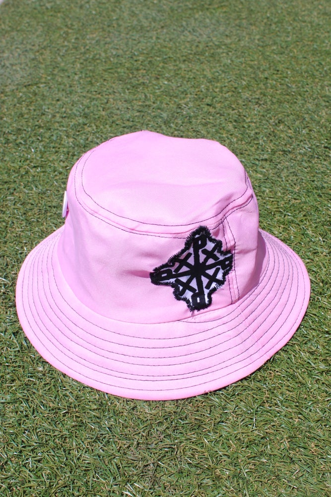 Image of the organize everywhere bucket hat in pink