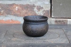 Image of globular oak cup / tasse en chêne globulaire ébonisée II