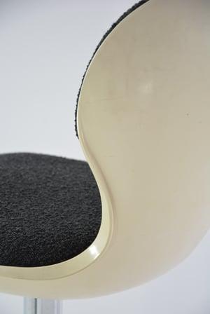 Image of Chaises Space Age bouclette noire