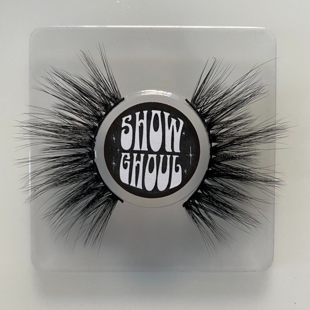 Show Ghoul Lashes