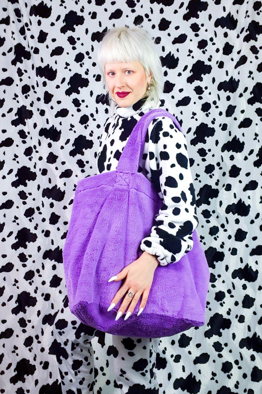 Image of purple GIGA purse