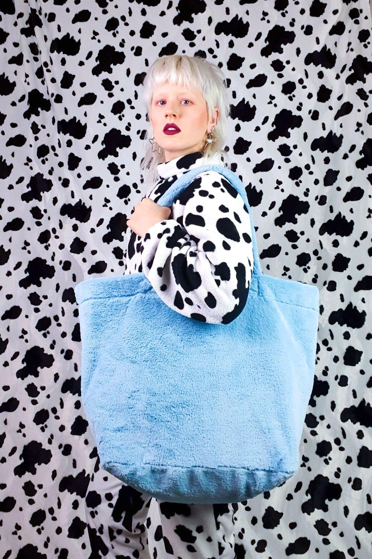 Image of cloud GIGA purse