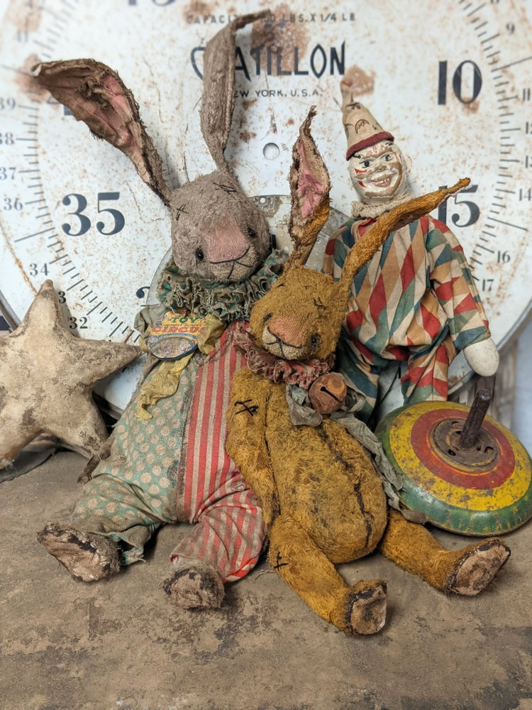 """Image of 11"""" Old ToY frumpy Primitive Rabbit by Whendi's Bears"""