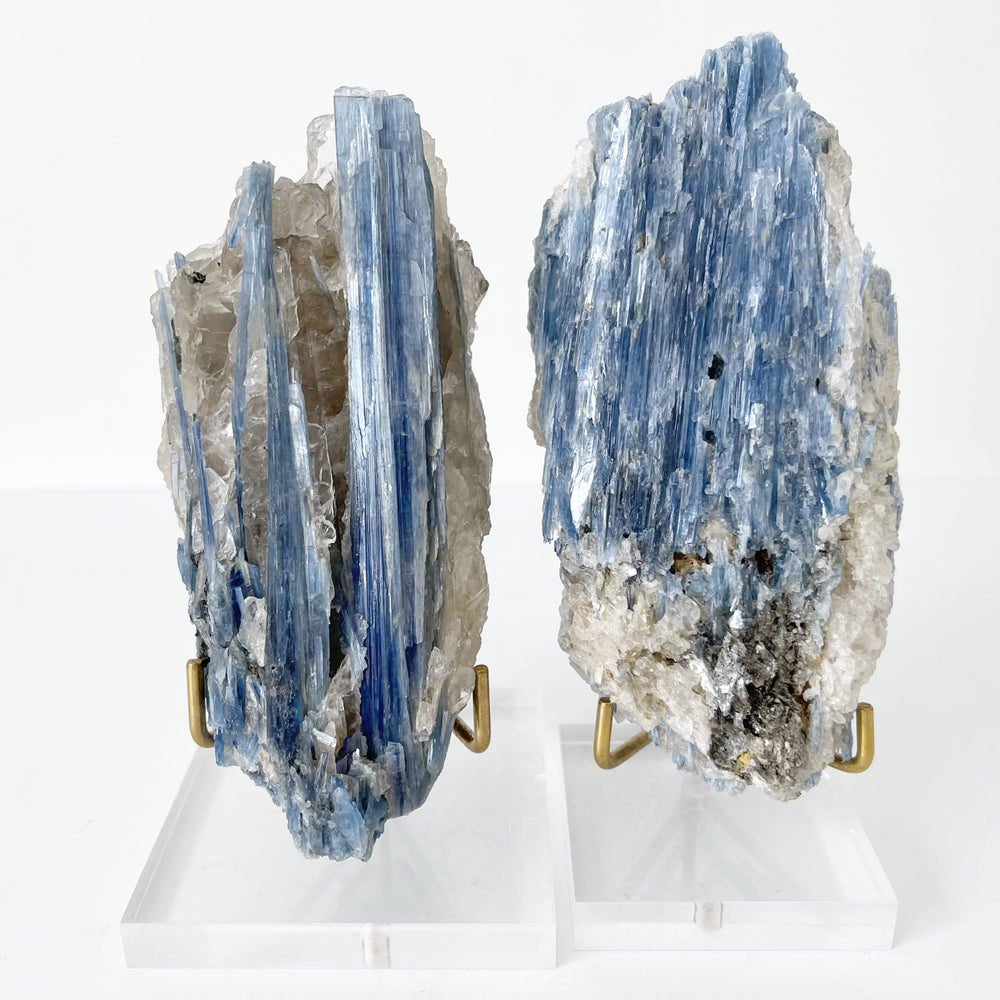 Image of Blue Kyanite no.27 + Lucite and Brass Stand
