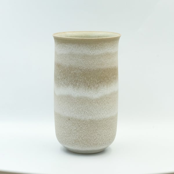 Image of FLARED UNIKA VASE IN EARTH WHITE GLAZE