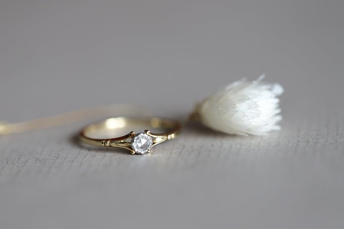 Image of 18ct gold and Platinum 'Fleur de Lys' rose-cut diamond ring (IOW178)