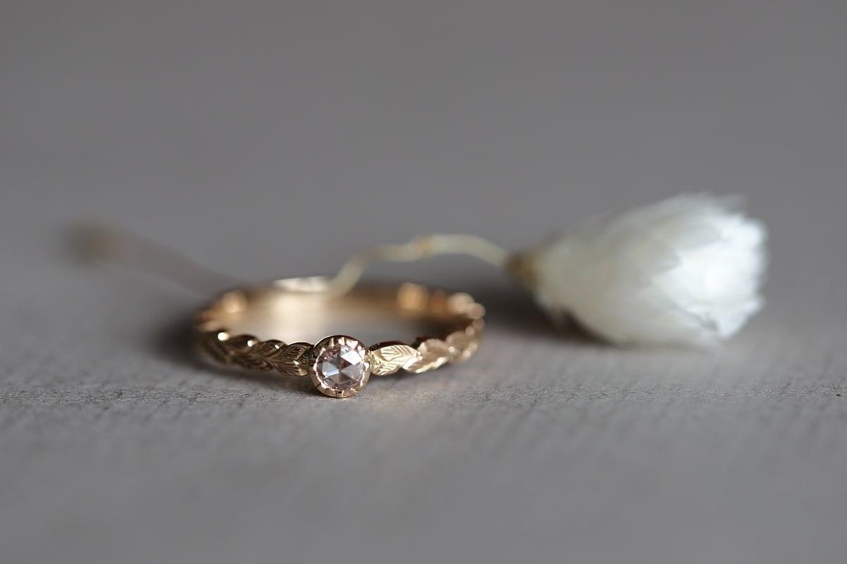 Image of 18ct rose gold, 3.0mm rose-cut diamond laurel leaf ring (IOW180)