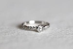 Image of platinum 4.0mm rose cut diamond ring IOW181