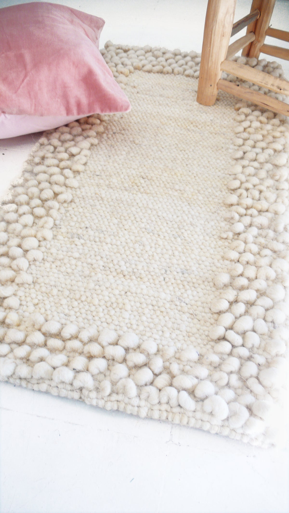 Image of Handwoven Wool Rug Ecru - Natural color undyed wool - Frame