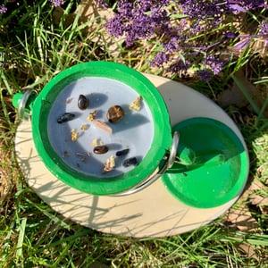 Sandalwood Grounding 4 oz Green Cauldron Candle