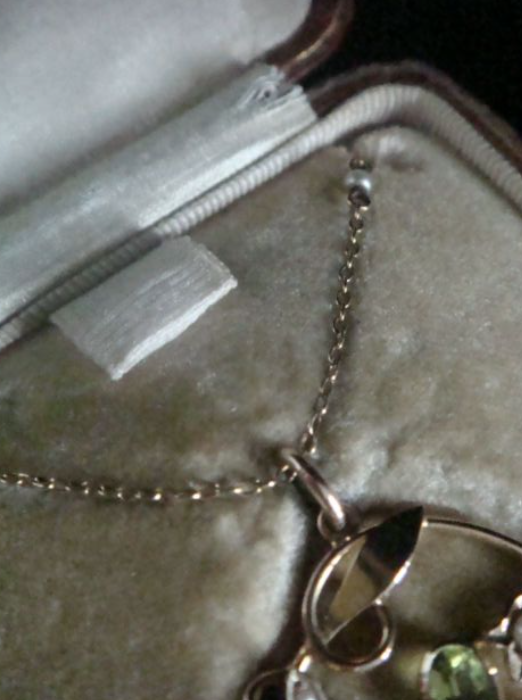 Image of Edwardian 15ct natural peridot and pearl necklace on pearl chain in fitted leather tooled box