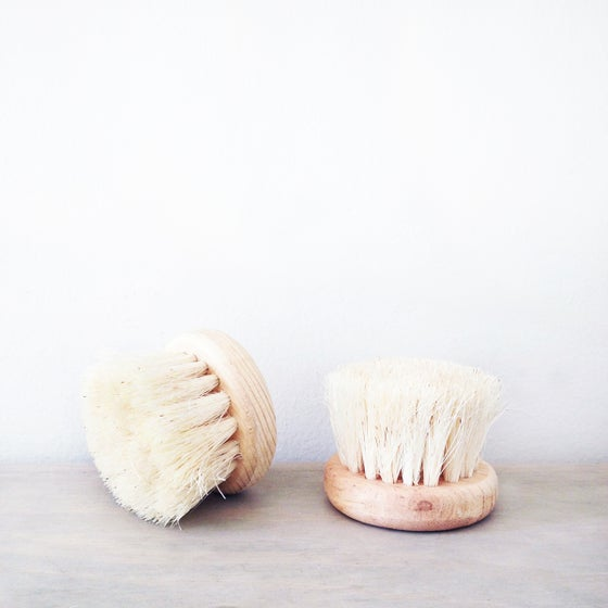 Image of Handmade Round Agave Dry Brush