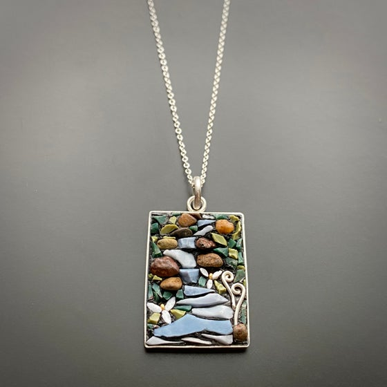 Image of Trillium Lined River Pendant